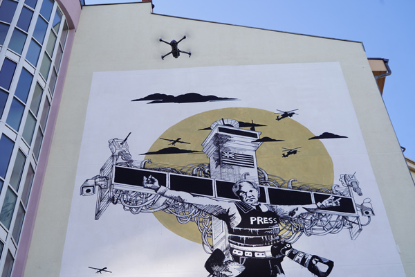 Collateral_Crucifixion_Berlin_Julian_Assange_Mural_Grundrechte_CaptainBorderline_03